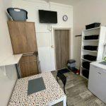 vybavený pokoj na ubytovně v Brně